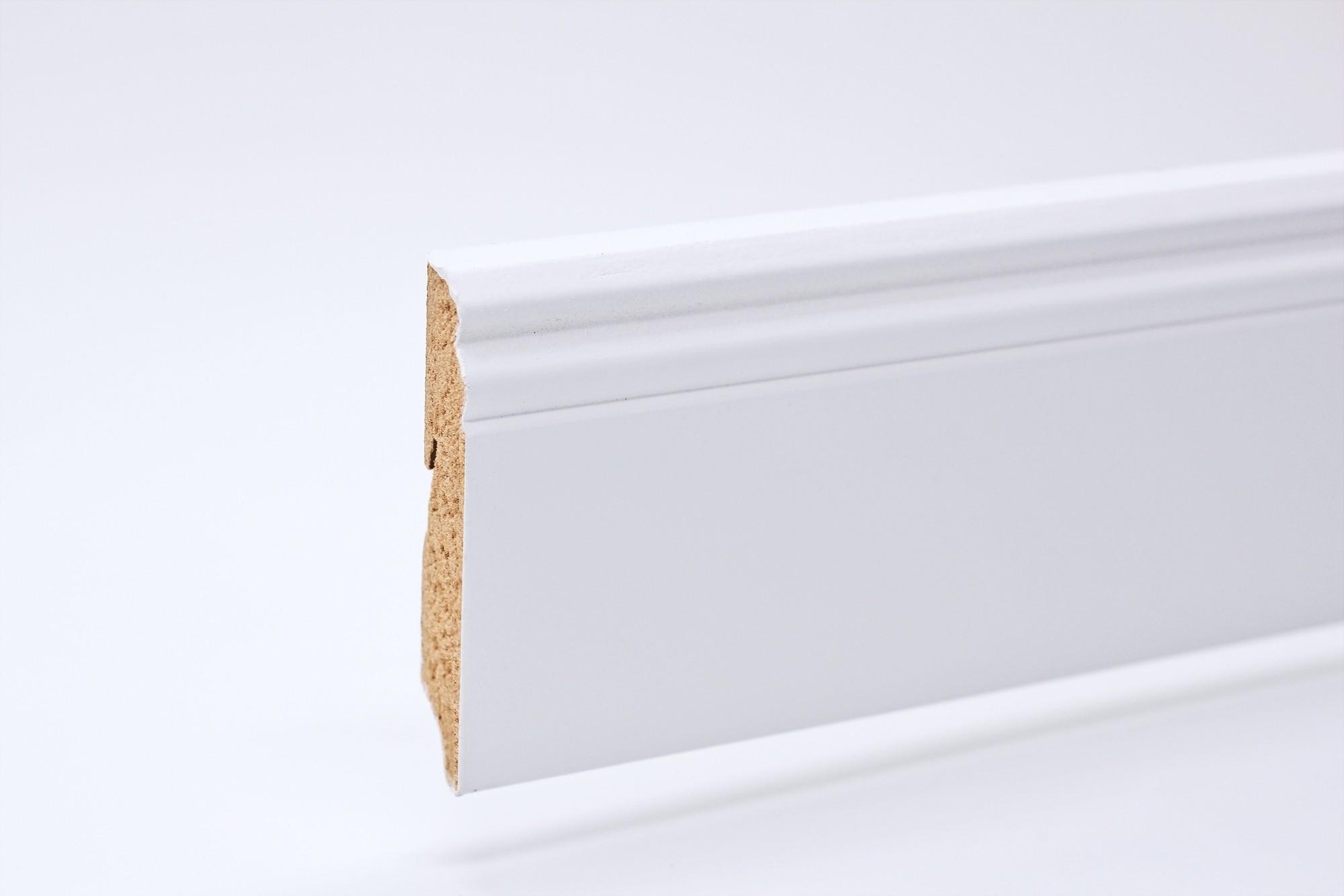 Sockelleiste (2400 x 18 x 96) Altdeutsch weiß lackiert - Interio