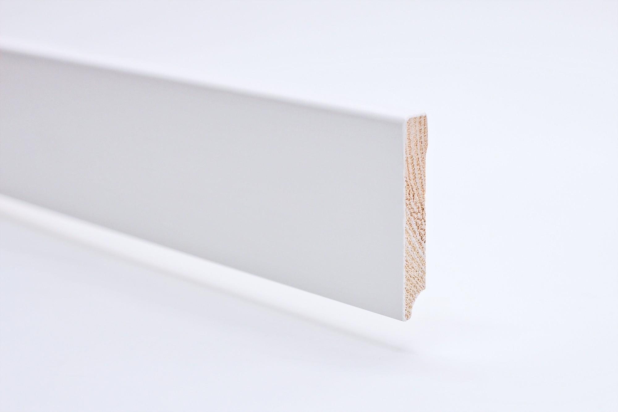 Sockelleiste (2400 x 12 x 70) eckig mit Rundung weiß lackiert Massivholz Profil - Interio