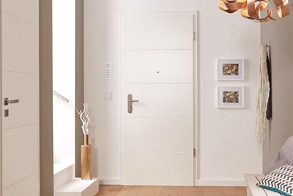 Wohnungseingangstür, Weiß, Design, Lisenen, Rillen, Fräsungen, online, kaufen