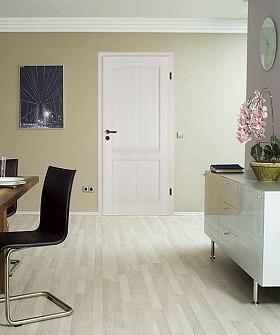 Massivholztür, weiß pigmentiert, Schweifbogen, Architektur